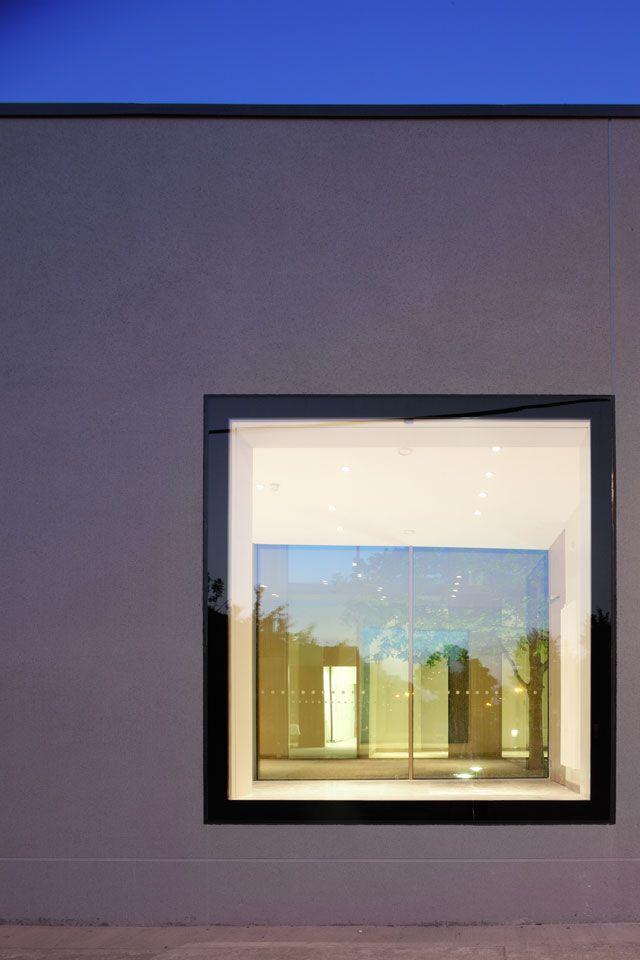 Flush window glazing:  ballyroan_pastoral_centre_box_architects_07