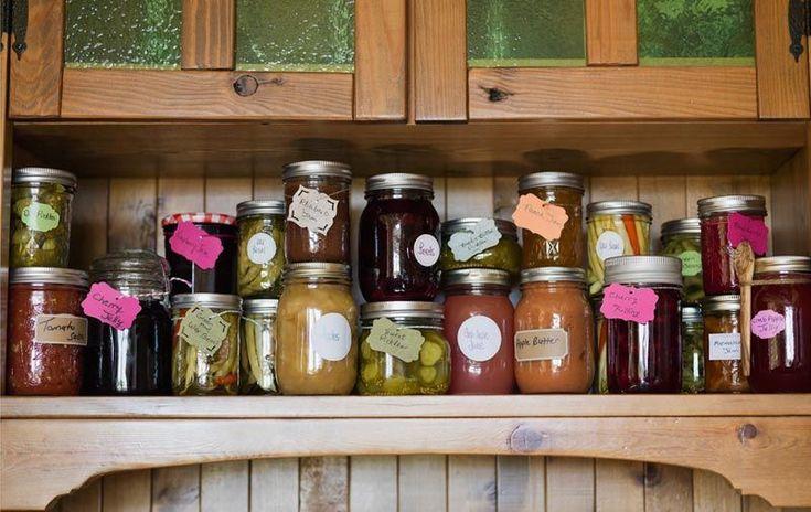 100 prodotti per la casa e la cura del corpo, da mangiare, che non dovrai più comprare: te lo promette Francesca Piccoletti, che
