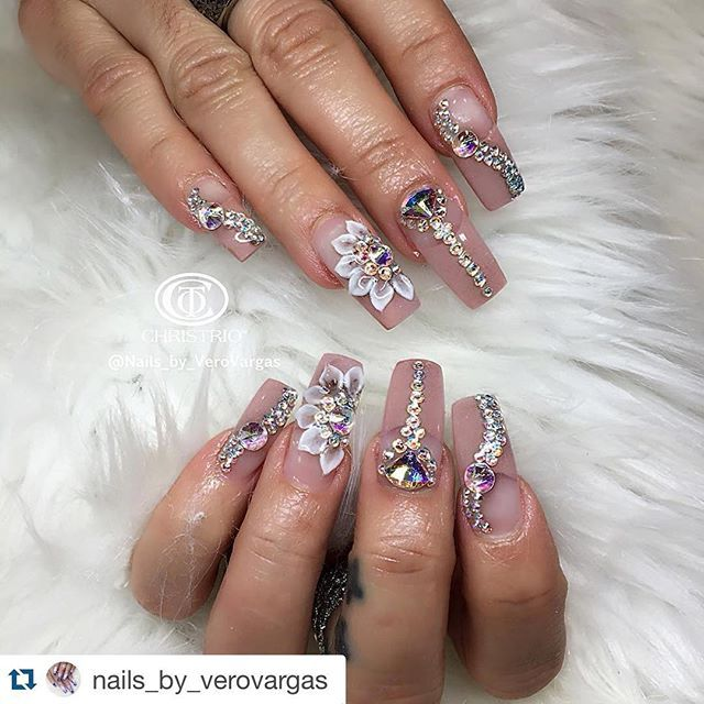 Blinged out #ManiMonday. Created by #Christrio educator @nails_by_verovargas