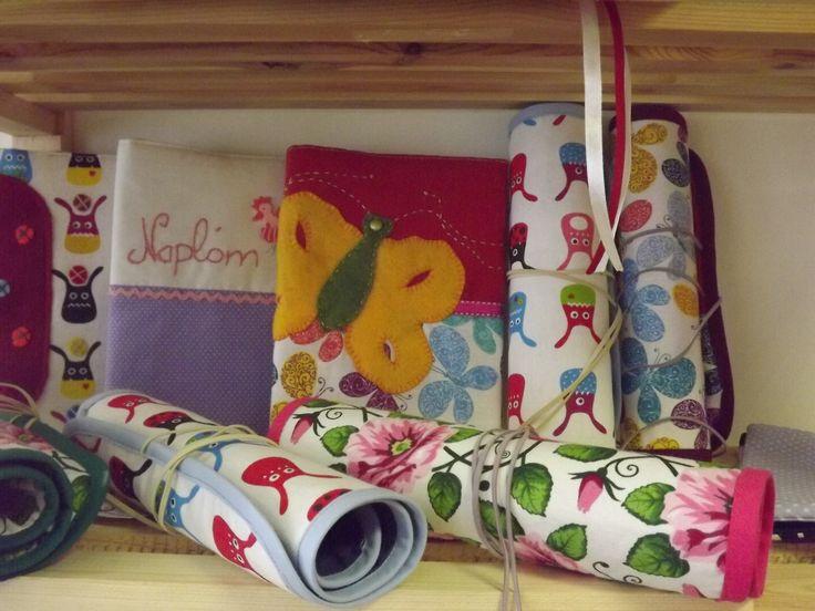 írószertartó, napló