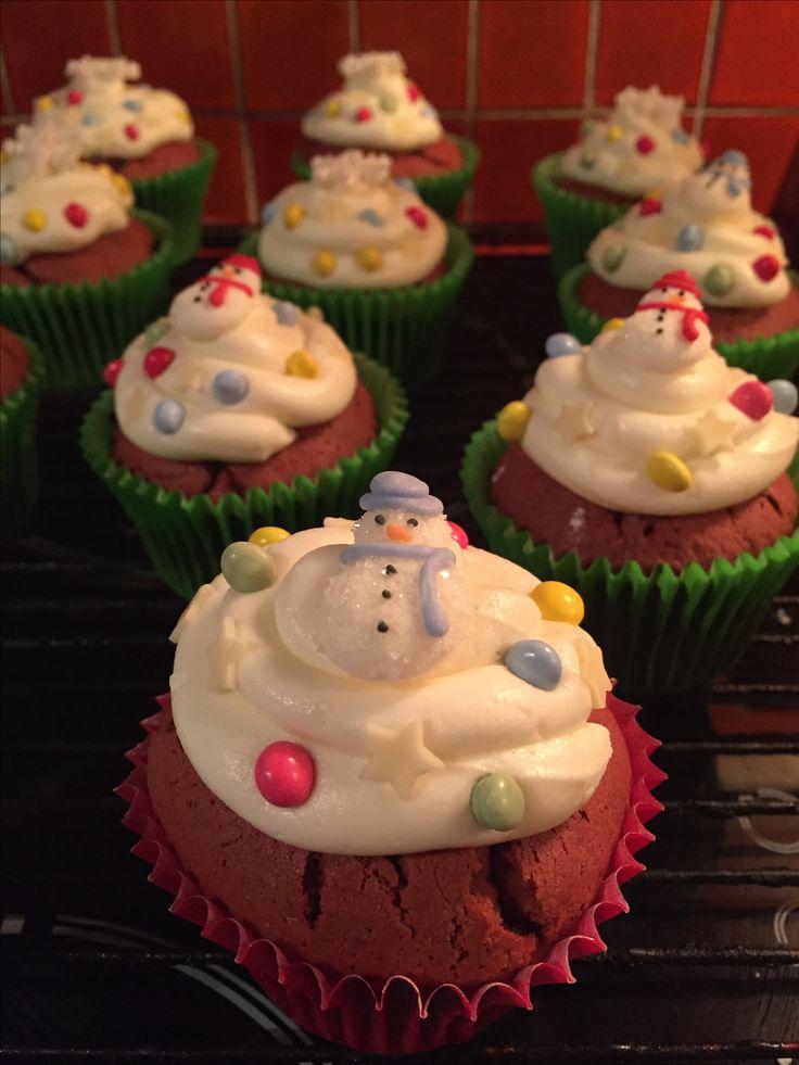 Red Velvet Christmas Cupcakes (Christmas 2015)