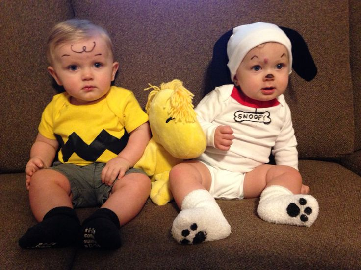 Twin Halloween Costumes. Charlie Brown and Snoopy. Boy and girl twins. Peanuts.