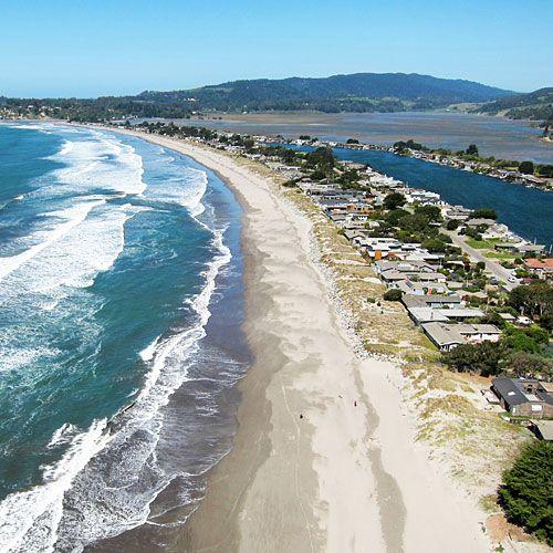 Stinson Beach, Calif. (© Michael Layefsky / Flickr)
