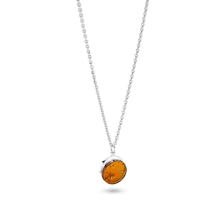 House of Amber by Louise Sigvardt - Silver pendant with amber.