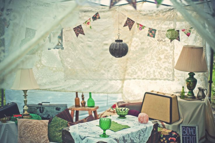 boho tent, bohemian tent, wedding cocktail, emerald green, Moroccan tent, wedding styling. Ashley + Devon's Whimsical Boho Wedding | Kismet & Clover {http://kismetandclover.com}