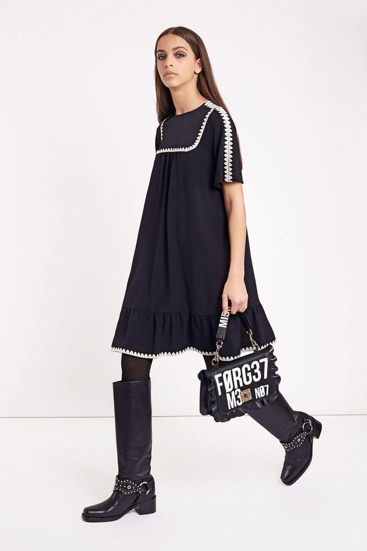 654 best haute couture pret a porter 2018 images on pinterest for Haute couture and pret a porter