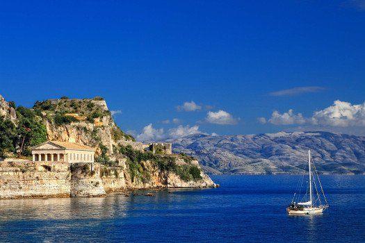 Aeolos Beach #Resort #Corfu #Griekenland #vakantie #reizen #travel #travelbird #blauw #zee #lucht