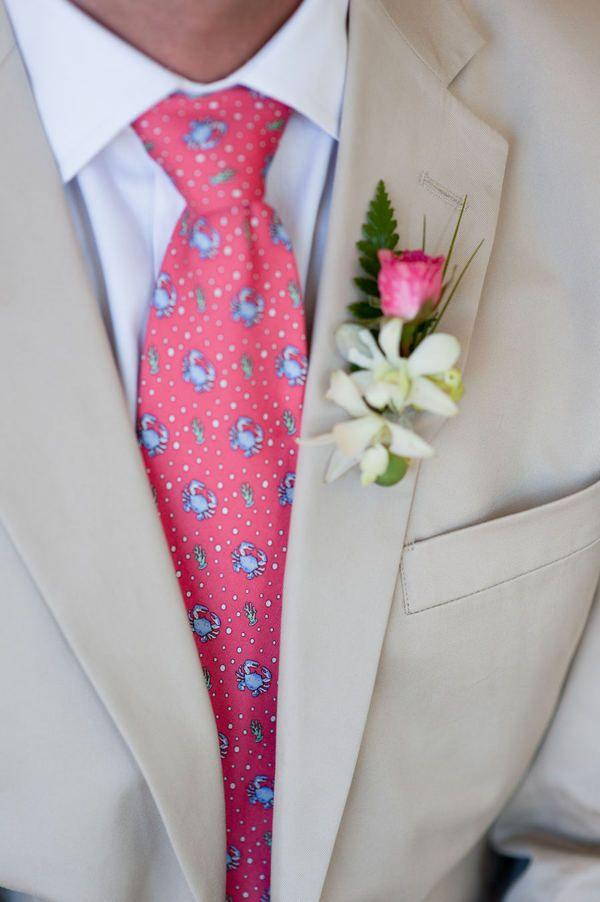 Crab Vineyard Vines tie, great combo for summer weddings