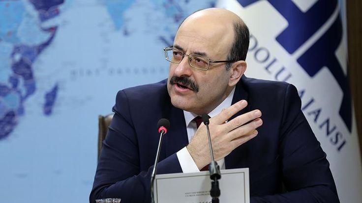 YÖK Başkanı Prof. Dr. Yekta Saraç, öğretmenlik bölümlerine girişte ilk 240 bine girme şeklinde başarı sıralaması şartının getirildiğini bildirdi.