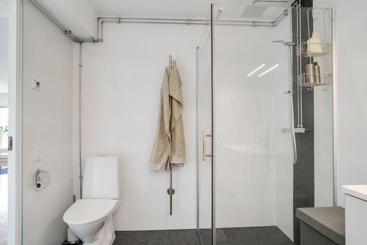 Snyggt renoverat badrum
