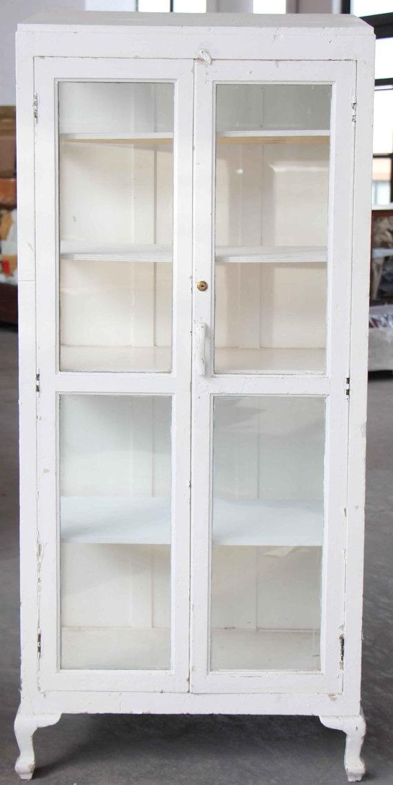 7 best vitrine images on pinterest glass display. Black Bedroom Furniture Sets. Home Design Ideas
