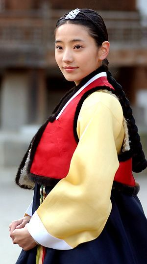 """Sassy Girl Chun-hyang(Hangul:쾌걸 춘향;RR:Koegeol Chunhyang; lit.Delightful Girl Chun-hyang) is a 2005 South Korean television series starringHan Chae-young.It aired onKBS2for 17 episodes. A modern retelling of the classic Korean folktaleChunhyangjeon(""""Tale of Chunhyang""""),theromantic comedyseries was called """"fusion-style"""" for, among others, mixingrapwithpansoriin the background music. 한채영"""