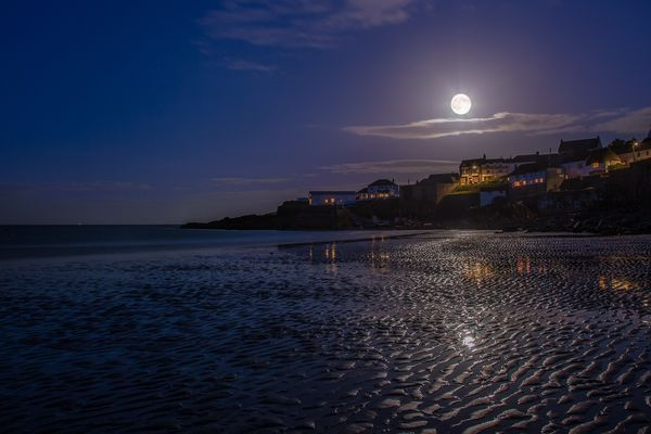 Supermoon:Biggest Full Moon in 2013  Coastal Moon  Photograph by Tom Robinson, National Geographic