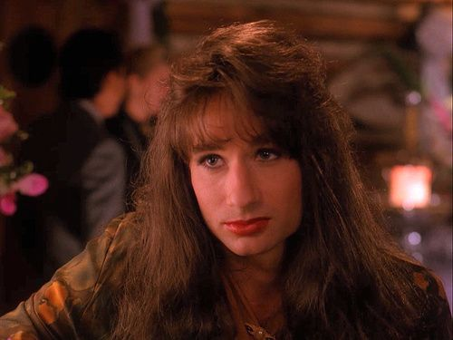 david duchovny in twin peaks is everything.