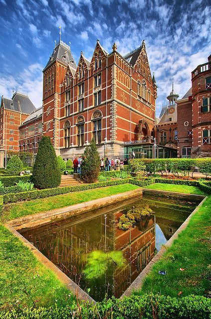 Garden of the Rijksmuseum - 18 stunningly beautiful pictures of Amsterdam - Netherlands Tourism