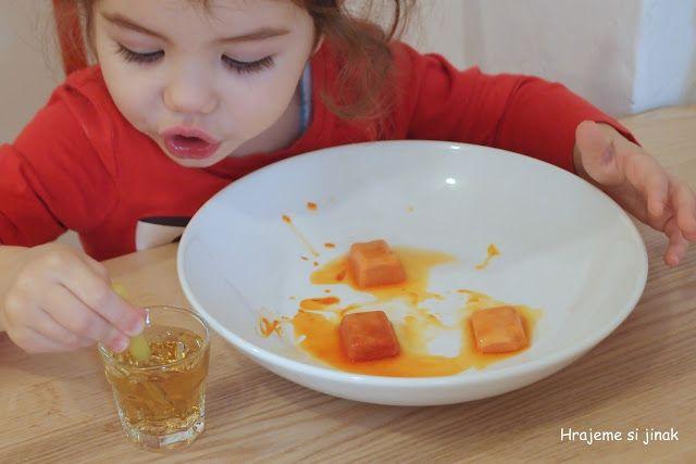 DOMÁCÍ POKUSY S LEDEM, SNĚHEM A VODU | Hrajeme si jinak - jedlá soda a ocet, kapátko