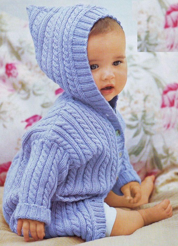 """Пальто для малыша вязаное спицами узором """"косы"""""""