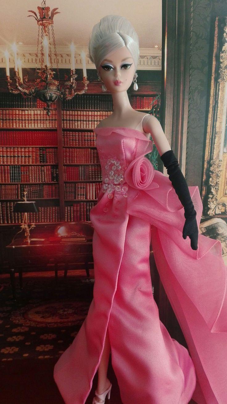 Stewardess silkstone Barbie (2006) - close up! | BEAUTIFUL ...