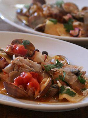 Quadretti con Pesce e Frutti di Mare / Pasta