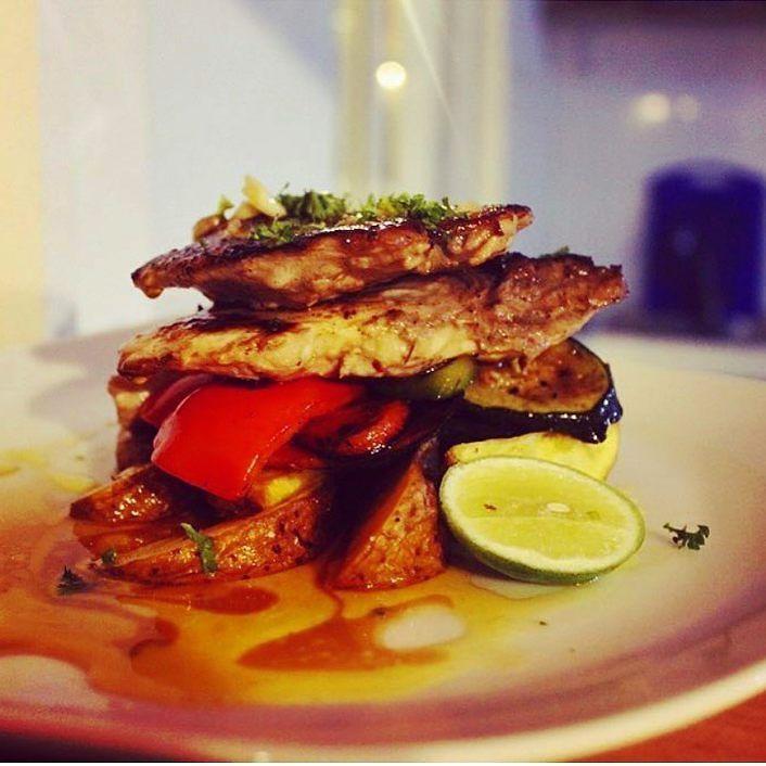 Who wants yummy grilled mahi mahi - Sri Lanka Foods . http://ift.tt/2goxZCu . Sri Lanka Travel Tour Operator. Explore Sri Lanka with Us. Mobile-WhatsApp-Viber 94 777854022  Photo by - @miss_hiriketiya  #srilankafood#colombo #qatar#saudi#ksa#kuwait#oman #bharain#dubai#france#riyadh #germany#ksa#arab#arabia#saudiair #qutarairways#train#czech#austria#poland#lithuania#romania#italy #portugal #russia #russian #elephant