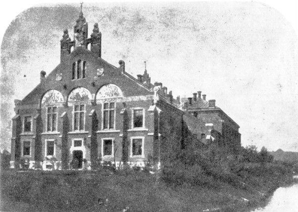 """Budynek Towarzystwa Gimnastycznego """"Sokół""""  Fotograf nieznany, zdjęcie z 1896 r."""