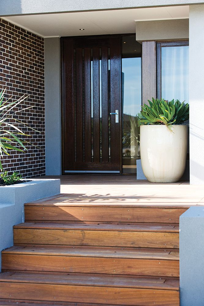 Entrance and front door detail on the Hoffman display with an Amsterdam World of Style.