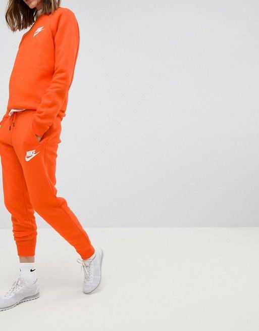 4f012cd4acf21a Nike – Rally – Jogginghose in Orange