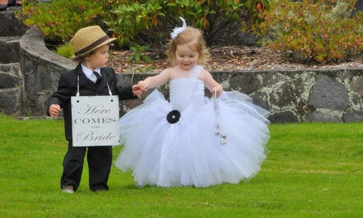 Another style flower girl dress from Romayse Tutu's