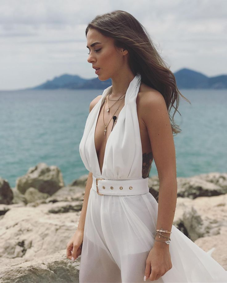 """190.8b Beğenme, 1,304 Yorum - Instagram'da Bensu Soral (@bensusoral): """"15:00'de Cannes'dan canlı yayın yapacağım. @magnumturkiye hesabından takip edebilirsiniz. Orada…"""" #style #bensusoral #whiye #dress #jumpsuit #cannes2017 #magnum #selmacilek"""