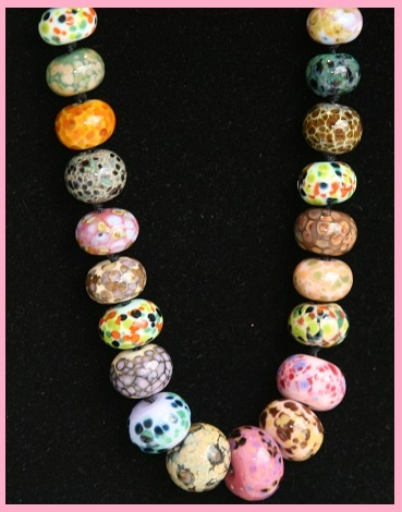 My sister in law Dawn creates the most beautiful Lampwork beads. Stunning.