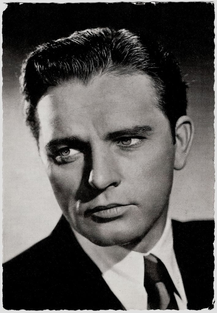 Richard Burton (1925 – 1984) was one of the great British actors of the post World War II period. And a total knockout!