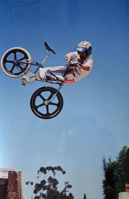 Mike Dominguez / Lookback air on a Hutch Trickstar!