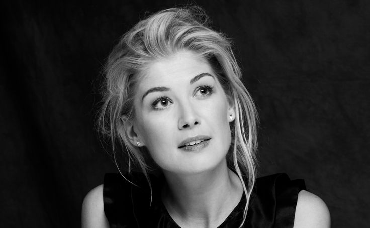 rosamund pike actress beautiful