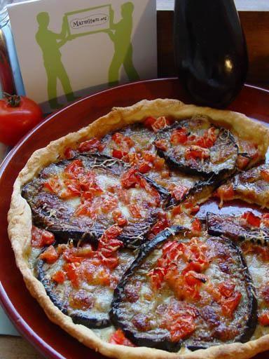 Tarte aux aubergines, tomates et parmesan - Recette de cuisine Marmiton : une recette