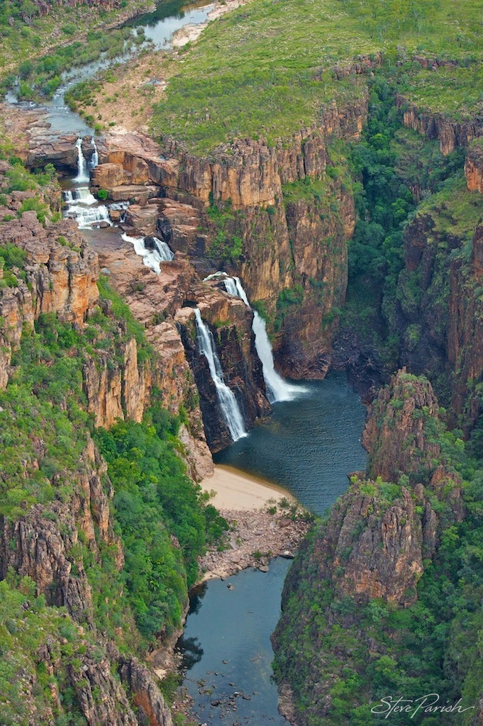 Twin falls, accessed only during the dry season, Kakadu National Park, World Heritage site, Northern Territory, Australia. Photography Steve Parish
