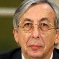 http://onmagazzine.com/obligan-a-renunciar-a-directivo-de-banco-frances-multado-por-violar-bloqueo-de-eeuu-a-cuba/