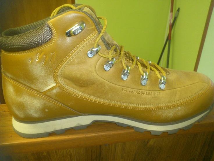 Zniszczone buty HH - niewłaściwa konserwacja