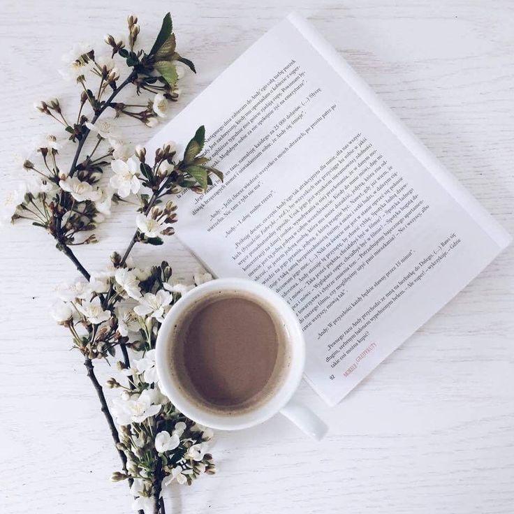 "cliche_mugs na Instagramie: ""#spring #springishere #flowers #coffee #coffeetime #morningcoffee #sun #book #booklover #morning #friday #friyay #simple #mug #mugs #cliche…"""