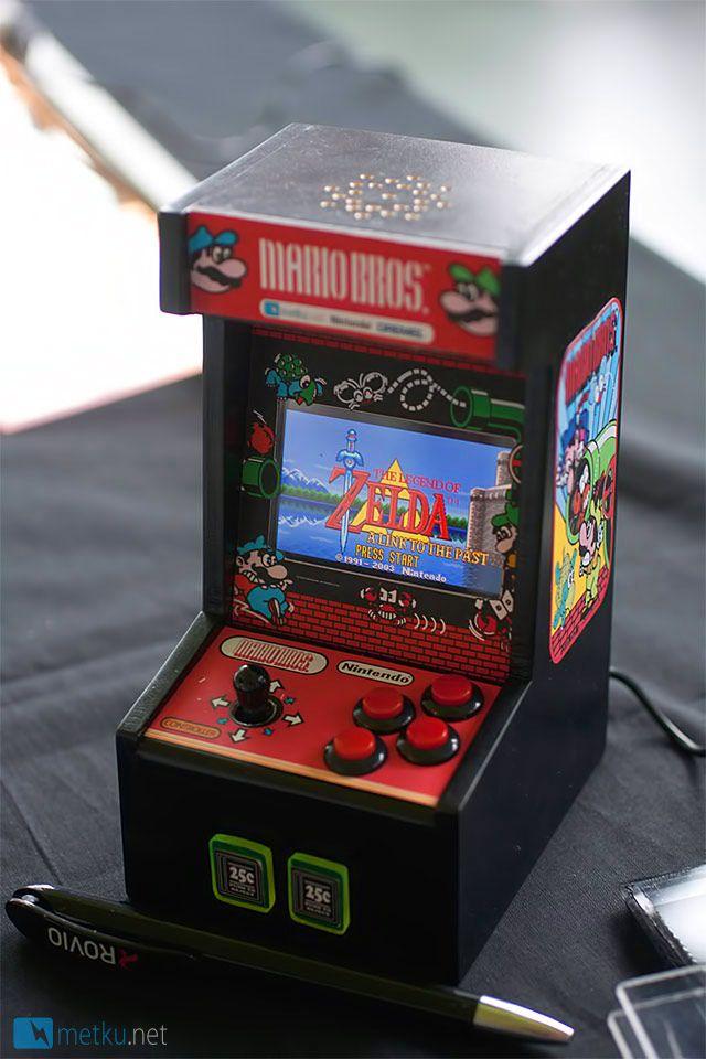 Voici une Game Boy modifiée en mini borne d'arcade vraiment bien réalisée Retro Gaming : http://www.helpmedias.com/retrogaming.php