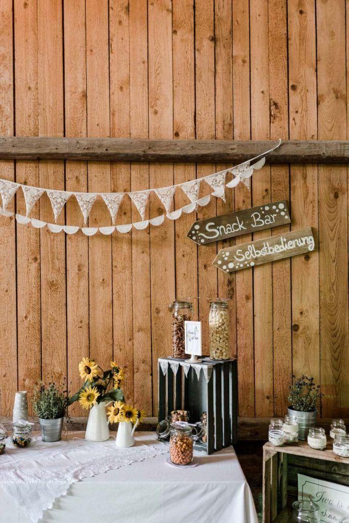 Diy Hochzeit In Der Scheune Von Aumuhle Diy Hochzeit Brautstrauss Wiesenblumen Brautstrauss