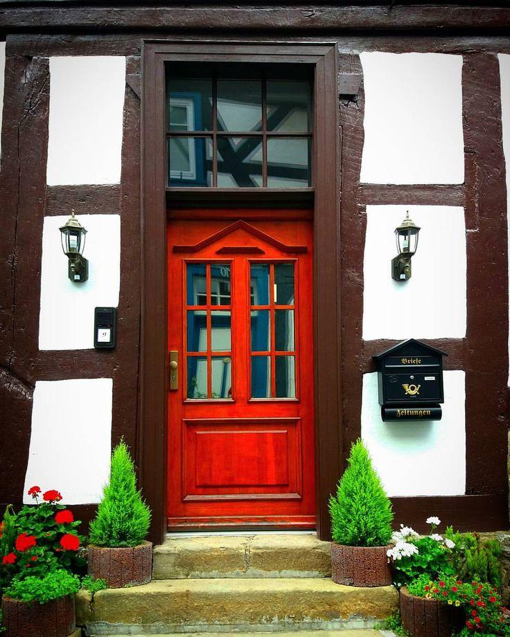 "644 Likes, 32 Comments - Bettina. | My photography (@bettina_2201_) on Instagram: "" am #türendonnerstag ❤ . . #doorthursday #porta #puerta #porte #tür #windows…"""