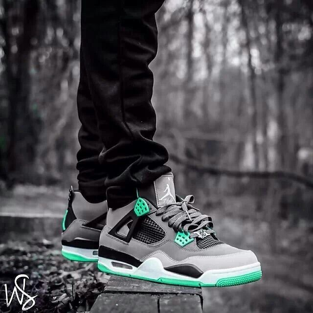 Green Glow 4s Outfit