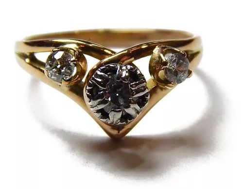 antiguo anillo de oro 18 kt. y platino 950, con brillantes.