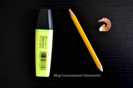 Préférer les crayons de couleur aux feutres surligneurs. N'oubliez pas non plus que les taillures de crayons de compostent, ou peuvent être utilisés en collage ou autres loisirs créatifs par des enfants !
