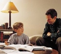 Het is bewezen dan je de leerstof veel beter en langer nthoudt nadat je overhoord bent. De moeite waard, toch?