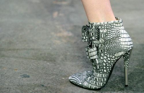 <3 these: Siriano Shoes, Siriano 2012, Booty Envy, Shoes Sho, Shoes Boots, Shoes Kicks Way, Shoes 3, Christian Siriano, February Fashion