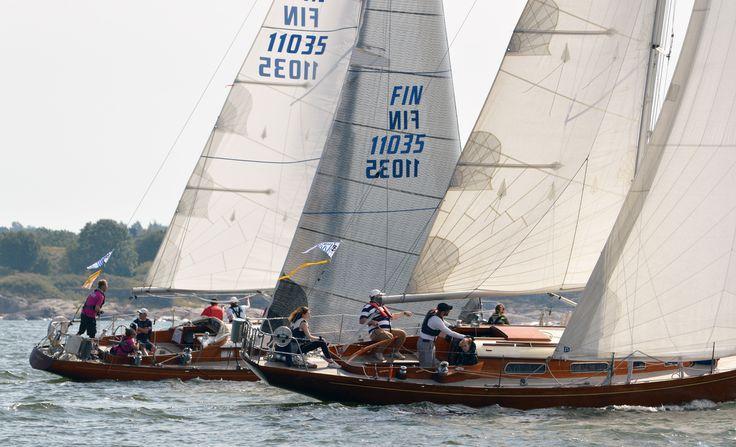 classic sailing boats yachts photos
