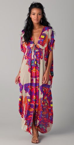 Love the print and color. Awesome cover up for a tropical vacation.