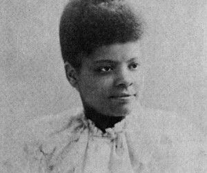 """""""The African American women were told to march separately behind the white women, who were afraid of losing the support of southern suffragists. Many Alpha Club members refused to participate at all in a segregated march, but Ida B. Wells ignored the order and joined the delegation from Illinois in the middle of the event, marching between two white women."""" 4 Famous African American Women Suffragists 