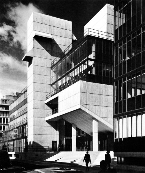 Best 196 brutalist architecture images on pinterest for Best architects today